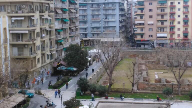 Χτύπησαν και λήστεψαν περαστικό στην Θεσσαλονίκη