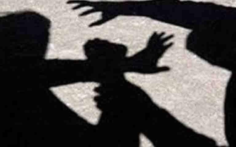 Ξυλοδαρμός 17χρονου από 20 ανήλικους στο Γαλάτσι