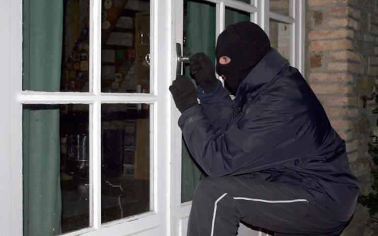 Προστατεύσετε το σπίτι σας από τους κλέφτες