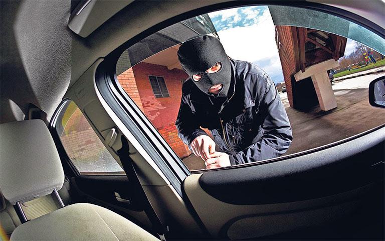 Συνελήφθη άνδρας στην Πάτρα για διάπραξη κλοπών οχημάτων