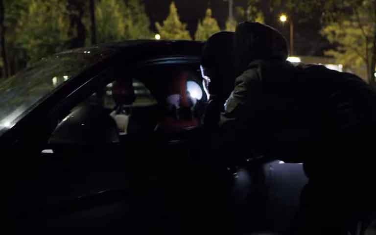 Μπουλόνια ασφαλείας με περίγραμμα βασισμένο στη φωνή του οδηγού