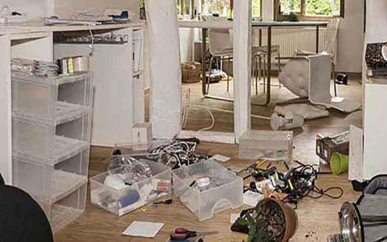 Νεκρός, δεμένος στο διαμέρισμα του, βρέθηκε ηλικιωμένος