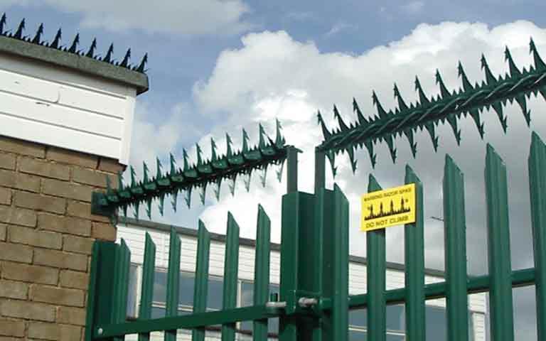 COBRA Περιστρεφόμενος μεταλλικός φράχτης προστασίας