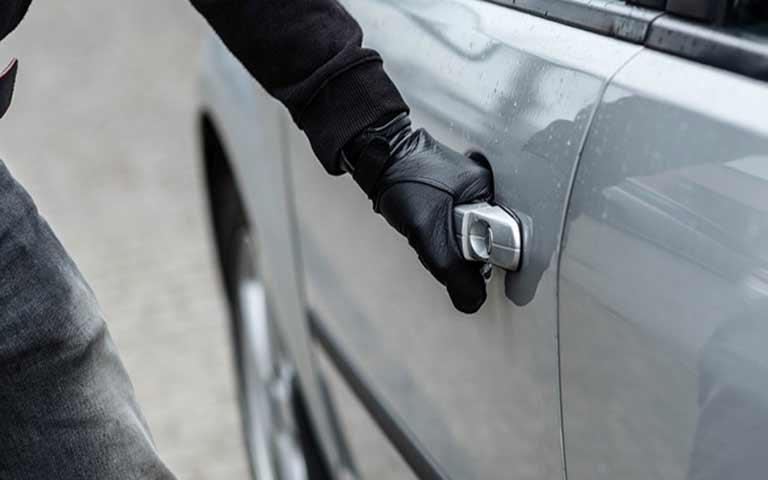 Έκλεψαν το αυτοκίνητο ποδοσφαιριστή στη Γλυφάδα